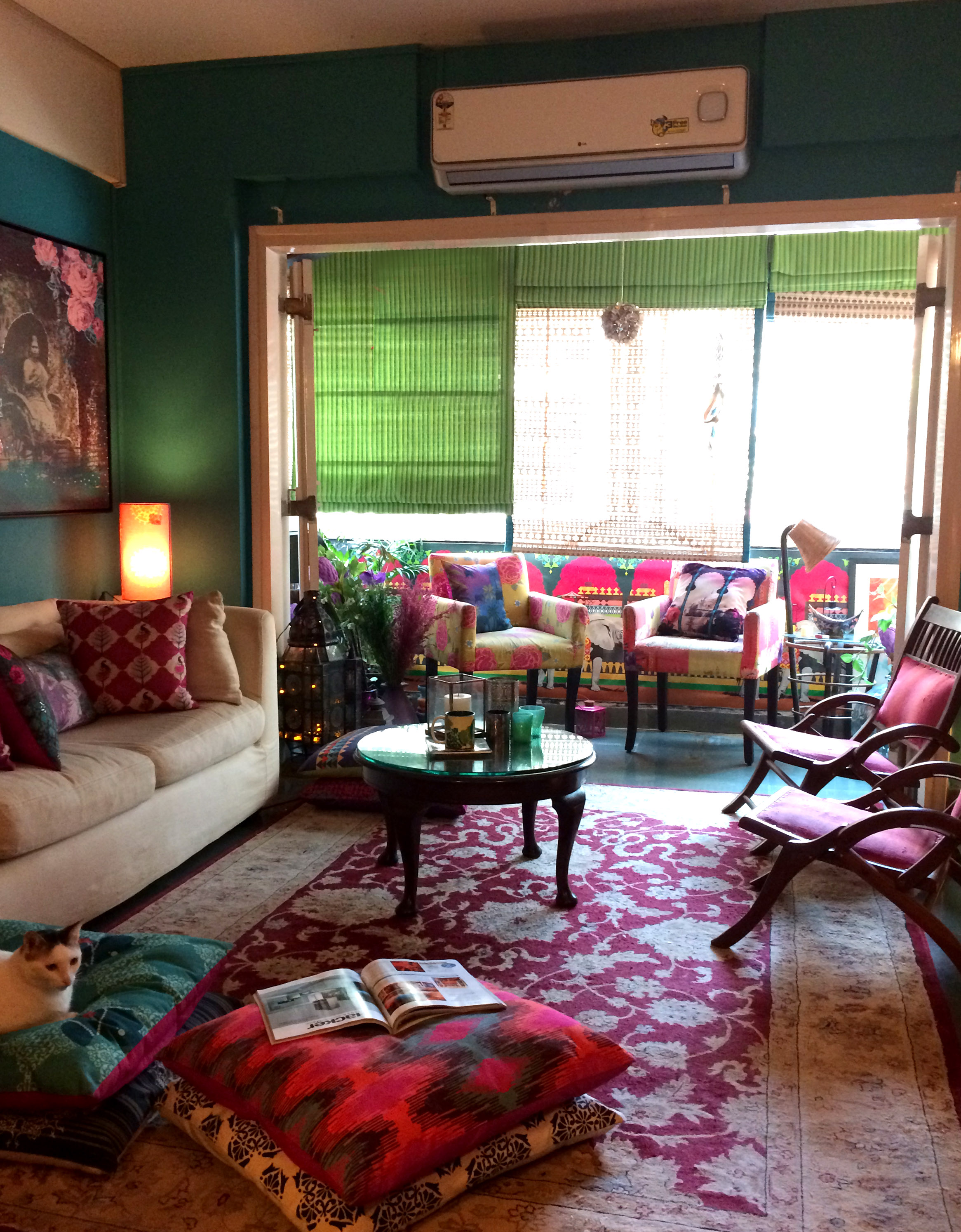 Hot Colour Combinations this Monsoon to do up your Living Room