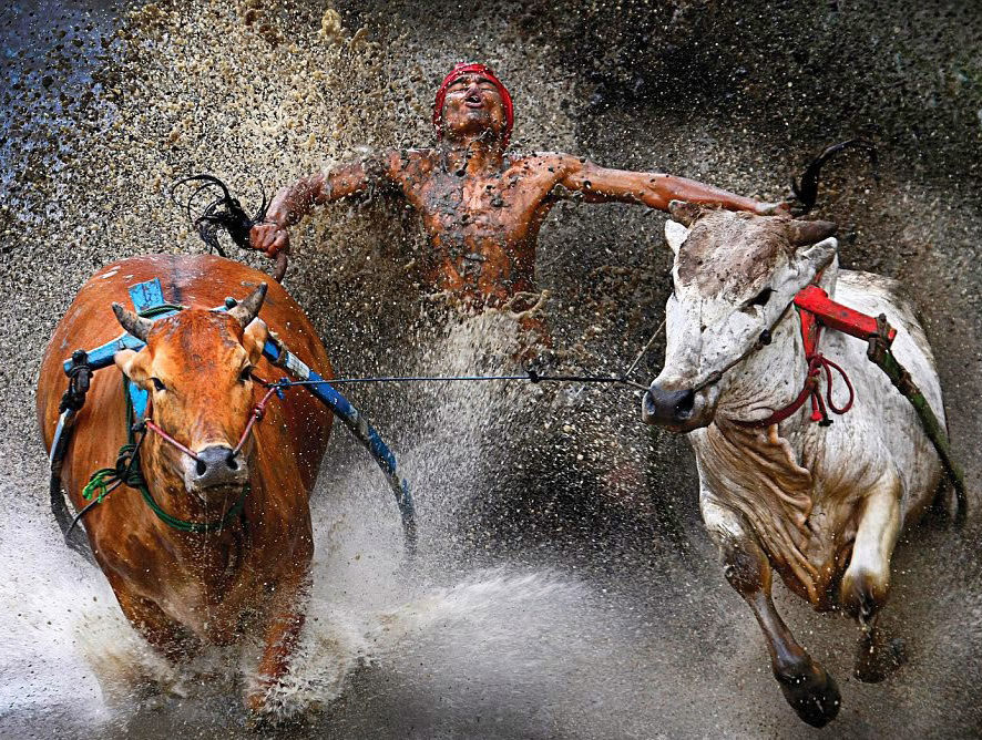 8 Breath-Taking Images That Capture Life In India