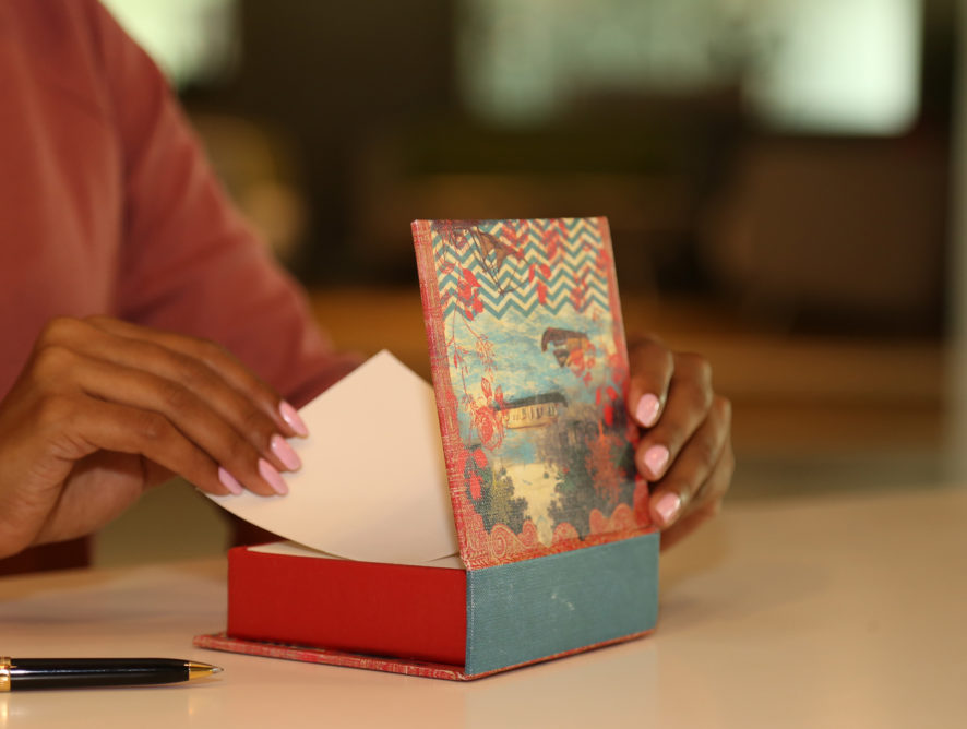 6 Gifting Ideas To Make Your Lady Feel Special