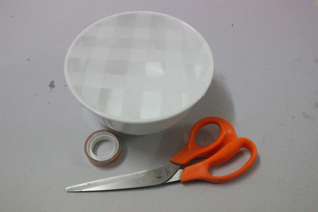 Bowl With A Mesh