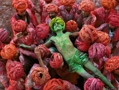 10 Stunning Images of India shot by Steve McCurry